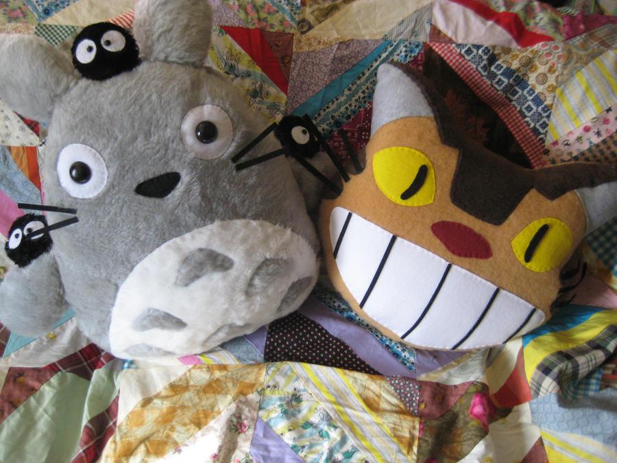 Totoro and Catbus by 4avatarlov