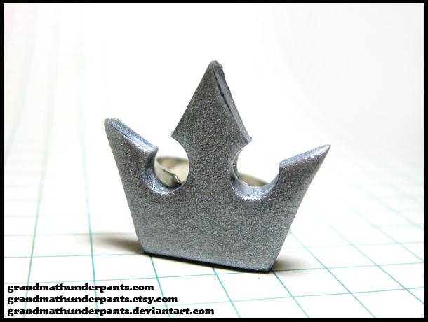 Kingdom Hearts Crown Ring by GrandmaThunderpants