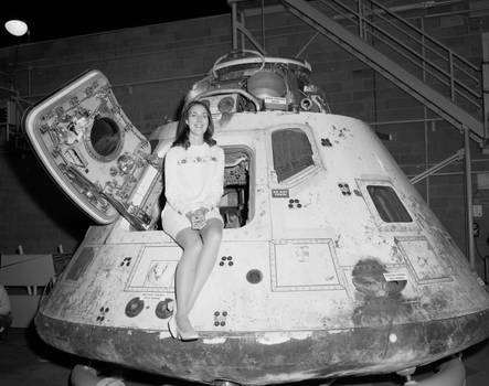 Miss-Nasa-in-Apollo-8