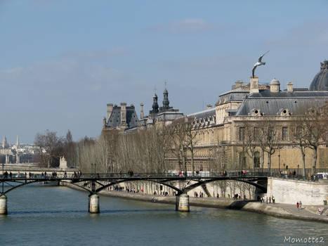 The pont des arts in Paris