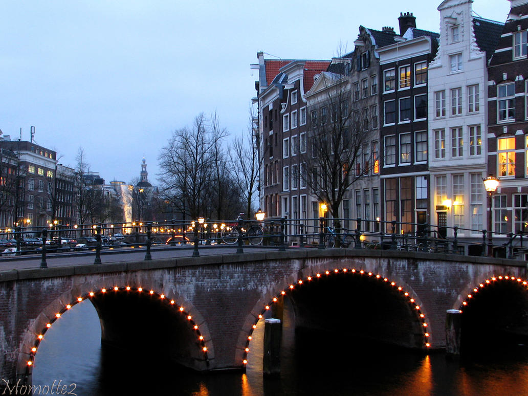 Evening falls on bridges by Momotte2