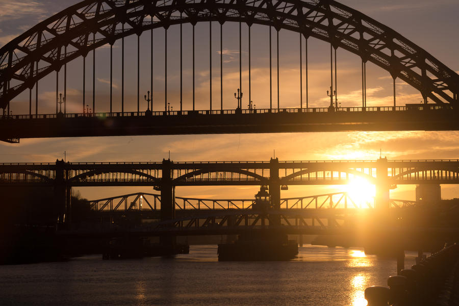 Tyne in the evening (natural) by monotone2k