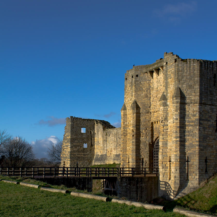 Warkworth Castle by monotone2k