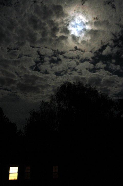 Goodnight Moon by JonBeanHastings