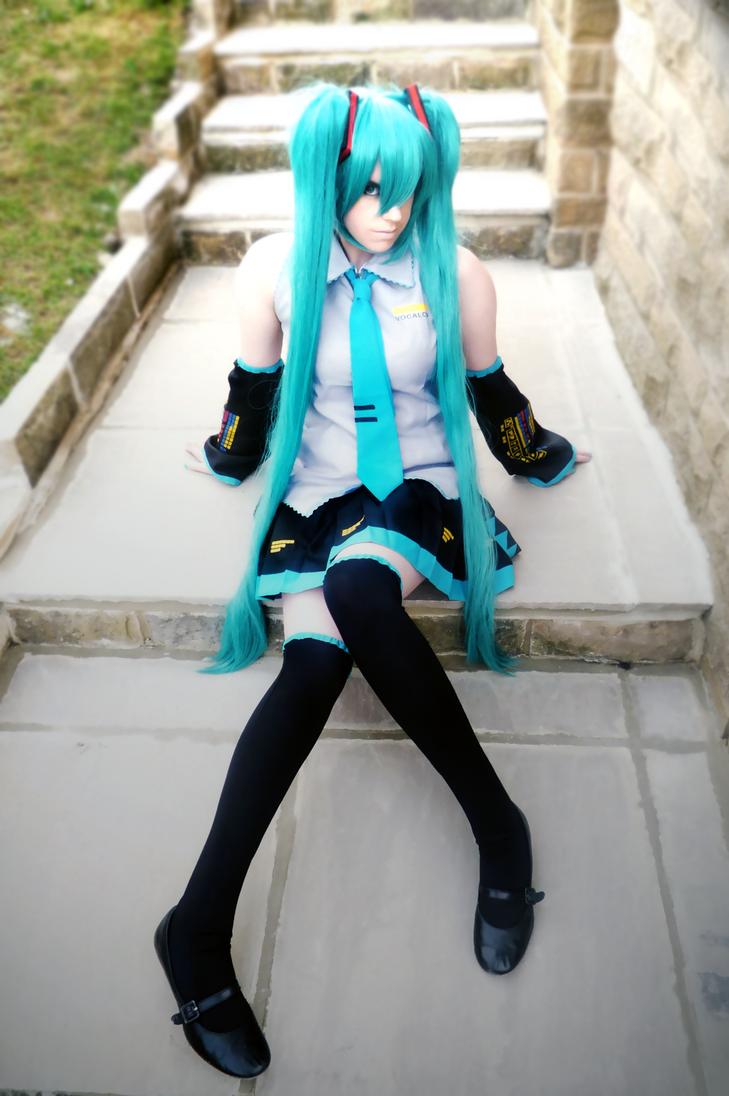 Vocaloid Cosplay: Hastune Miku by CauldronOfMischief