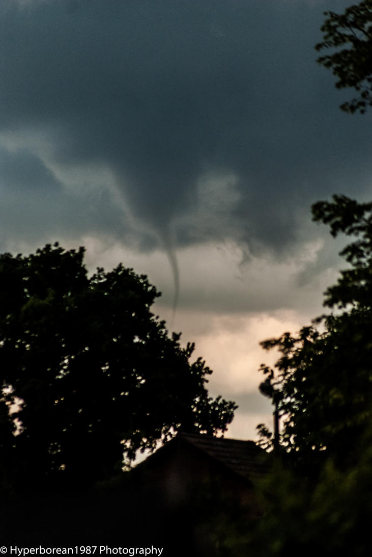 Tornado forming harrogate by Hyperborean1987