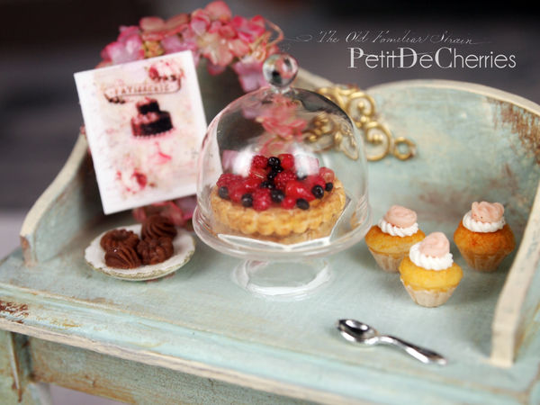 Sweetness dream - 12th scale dollhouse miniature by PetitDeCherries