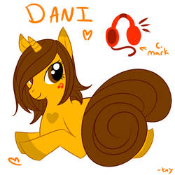 Dani pony by KayzioMau