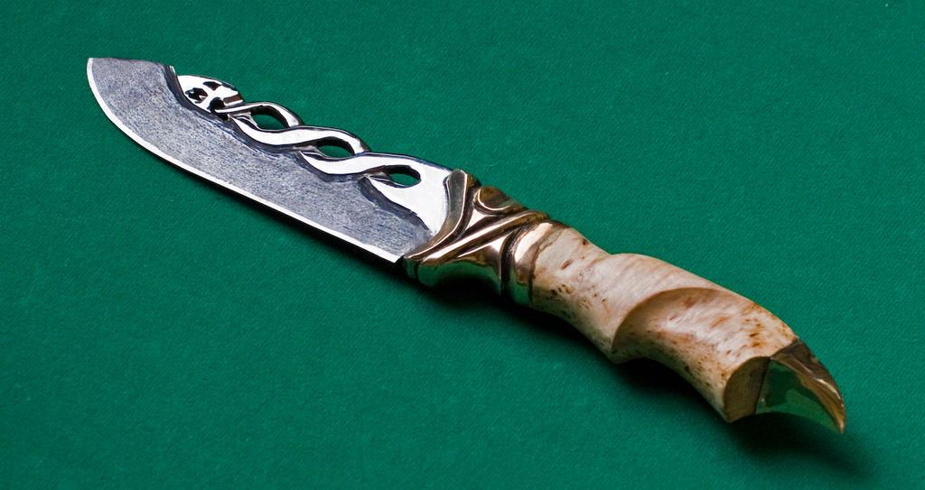 Silversnake knife by Ugrik