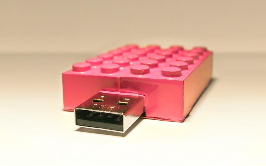 Lego Flash Drive by GU5TAF