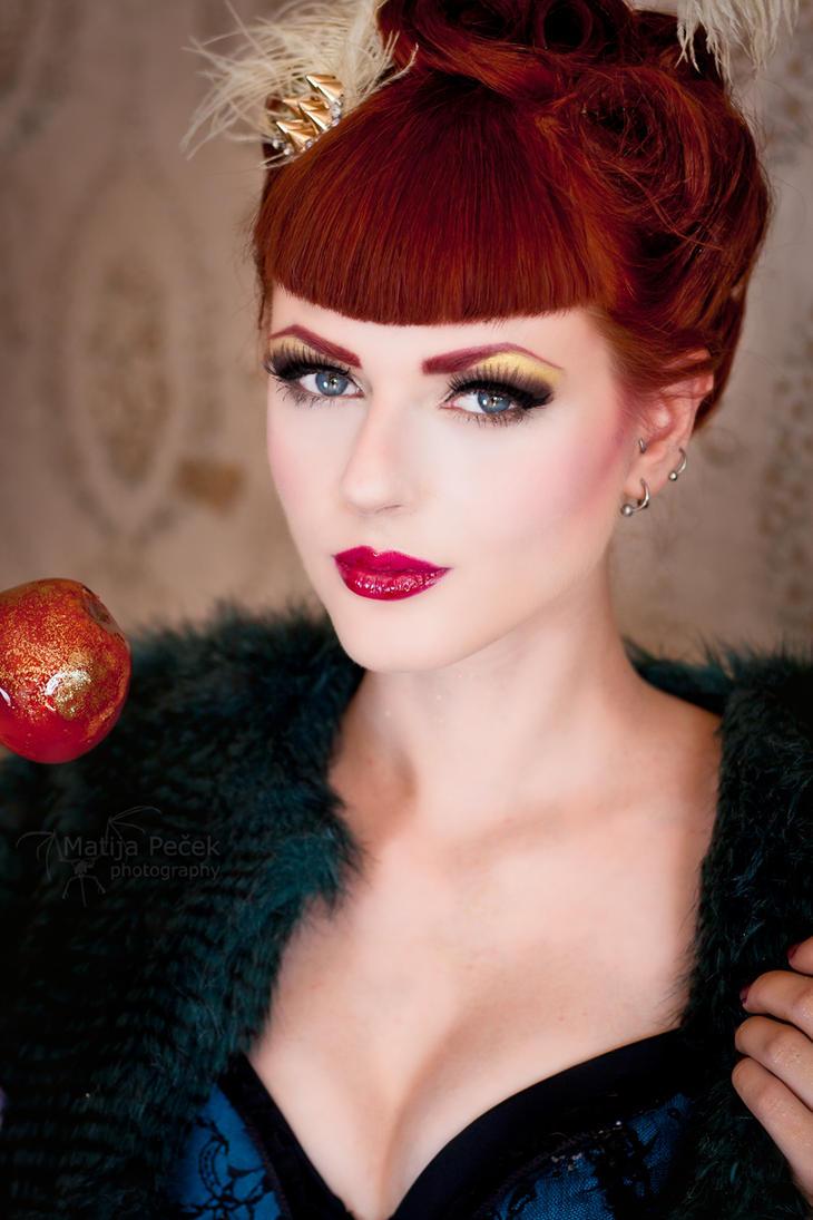 Candy apple queen by GretelMaCabre