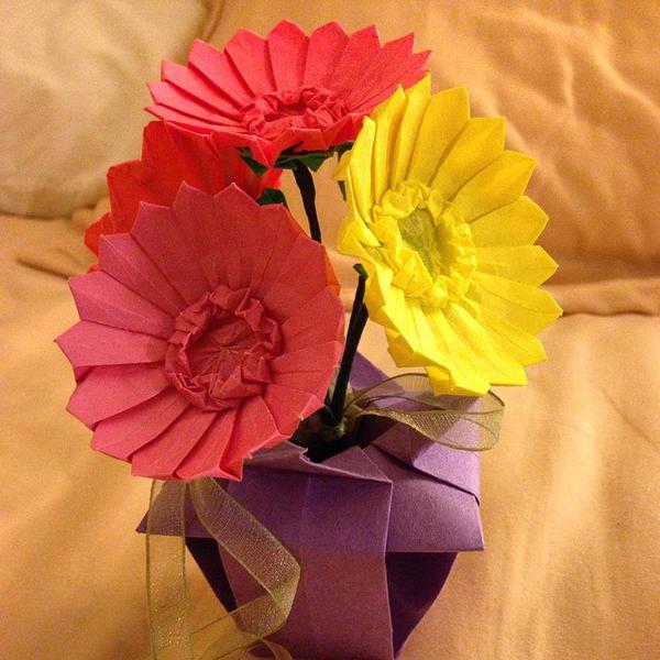 How to make: Origami Flower Gerbera - YouTube | 600x600