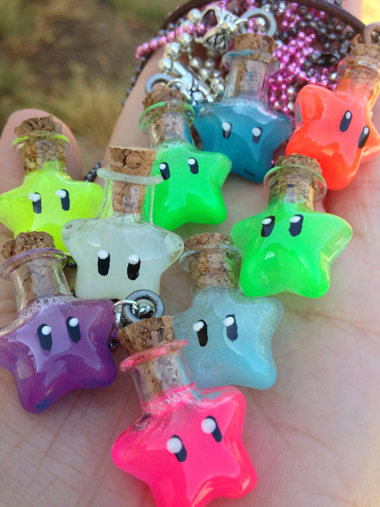 Super Mario Inspired Glowing Star Potion Necklaces by IvrinielsArtNCosplay