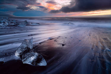 icy beach by mescamesh