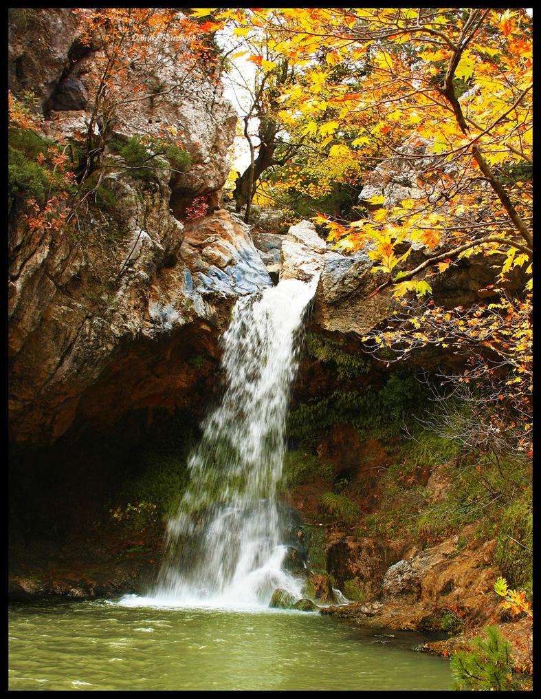 Waterfall by daisukekuroneko