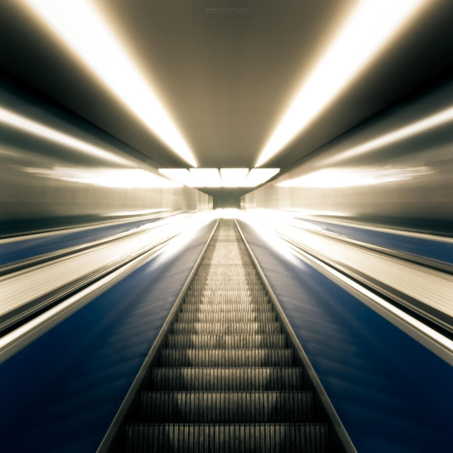 escalator by ChristianRudat