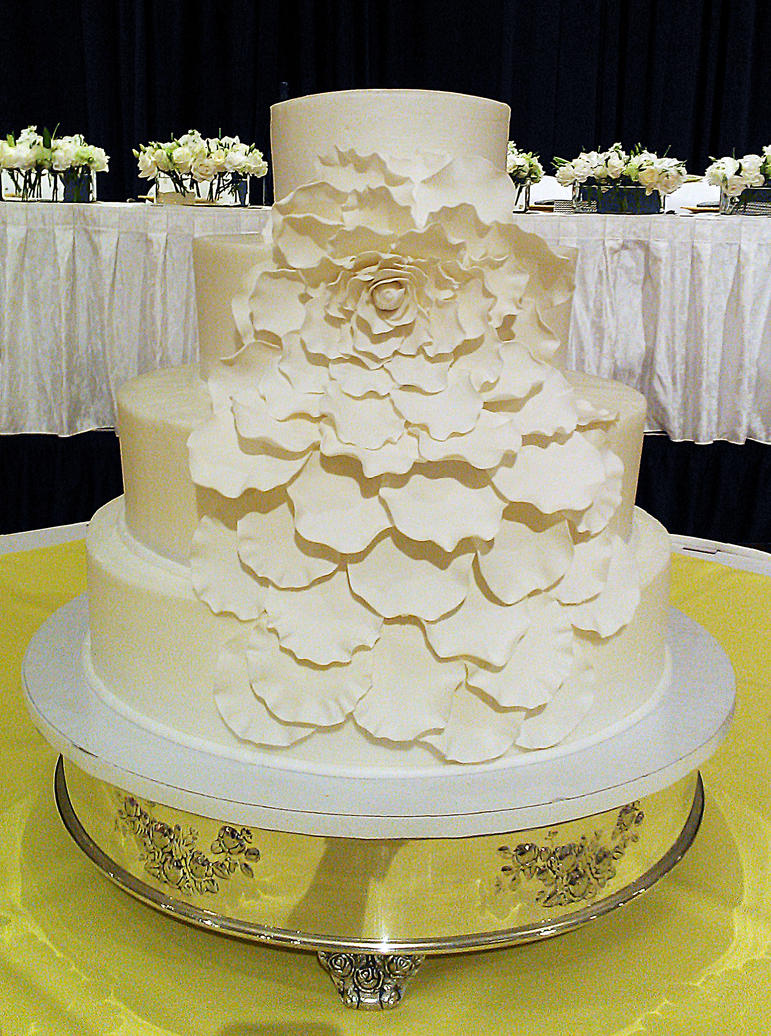 petal wedding cake flower petals wedding cake by ayarel on deviantart 18301