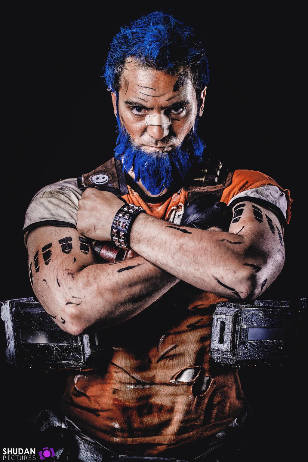 Salvador : the badass gunzerker