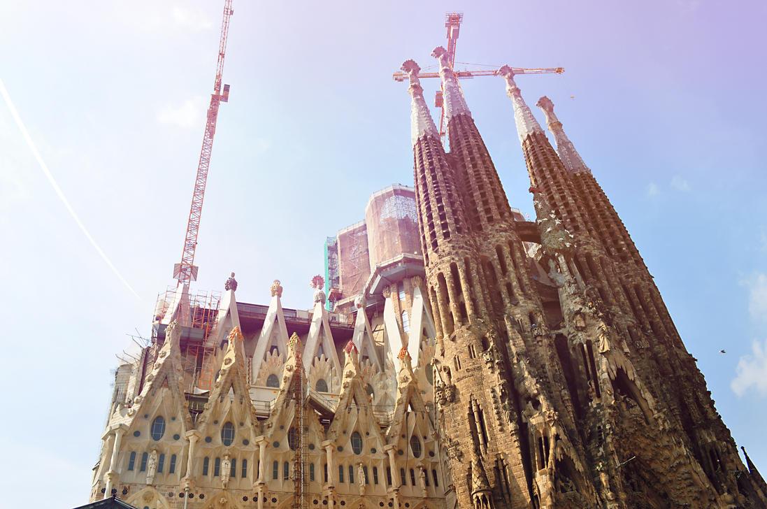 Sagrada Familia by TyraNolan