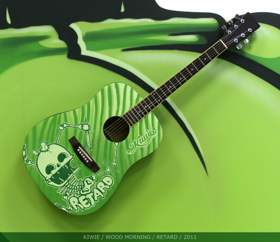 hand-painted-guitar