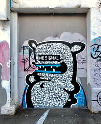 NO SIGNAL by KIWIE-FAT-MONSTER