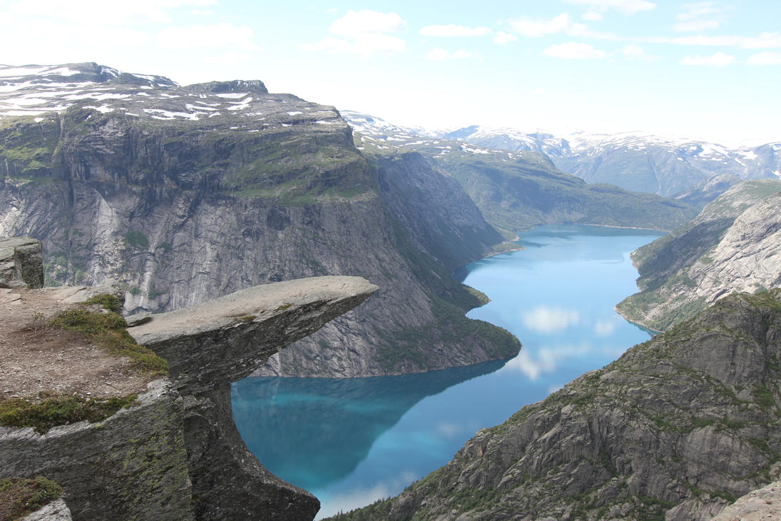 Trolltunga - Troll's Tongue by runear