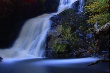Spectacle E falls by weaveintothewin2