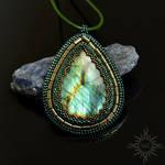 Dryadalis pendant