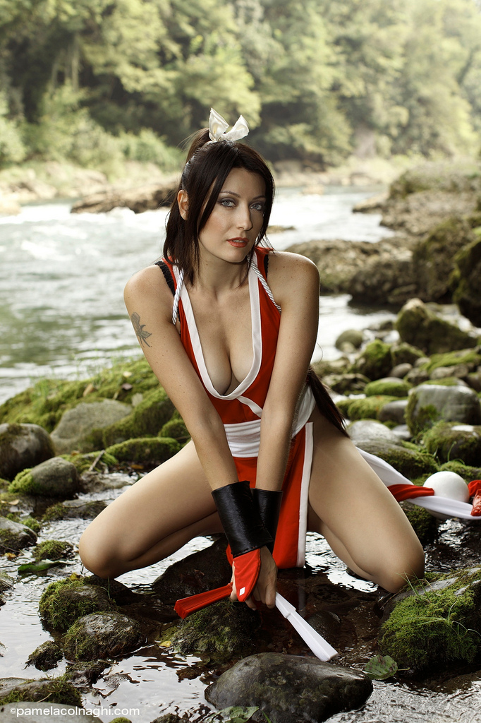 Mai Shiranui Cosplay by PamelaColnaghi