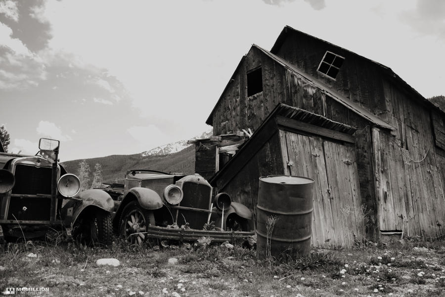 Old Cars, Old Barn by tommymcmillion on DeviantArt