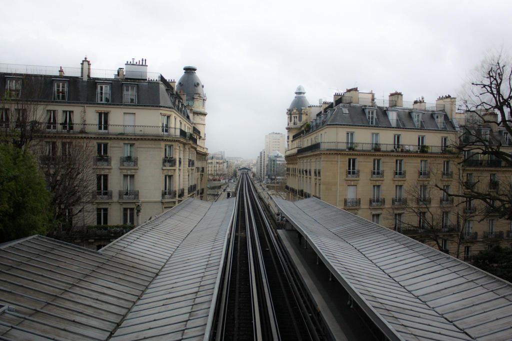 Paris - To nowhere by Alheimia