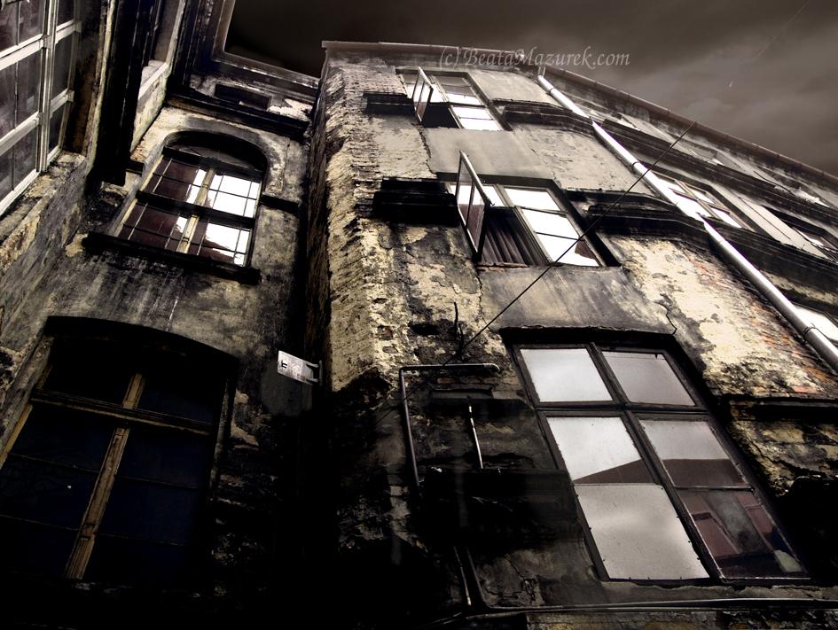 Tenement house 1 by Jaagaa