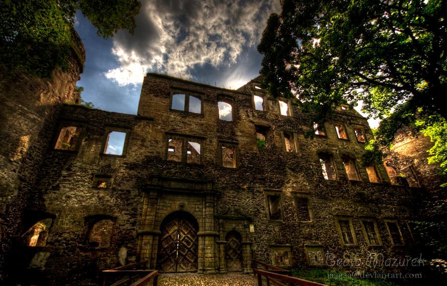 Castle in Swiny_4 by Jaagaa