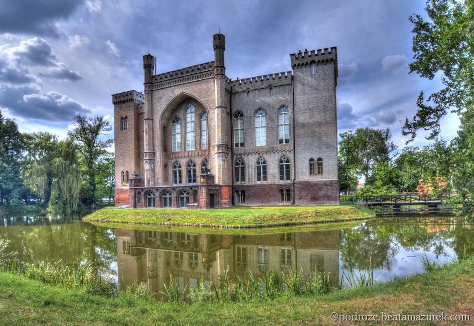 Kornik Castle by Jaagaa