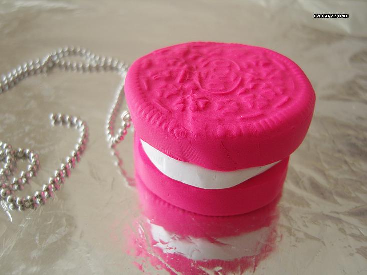 pink oreo necklace by bruisepristinex on deviantart