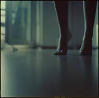 shake feet.