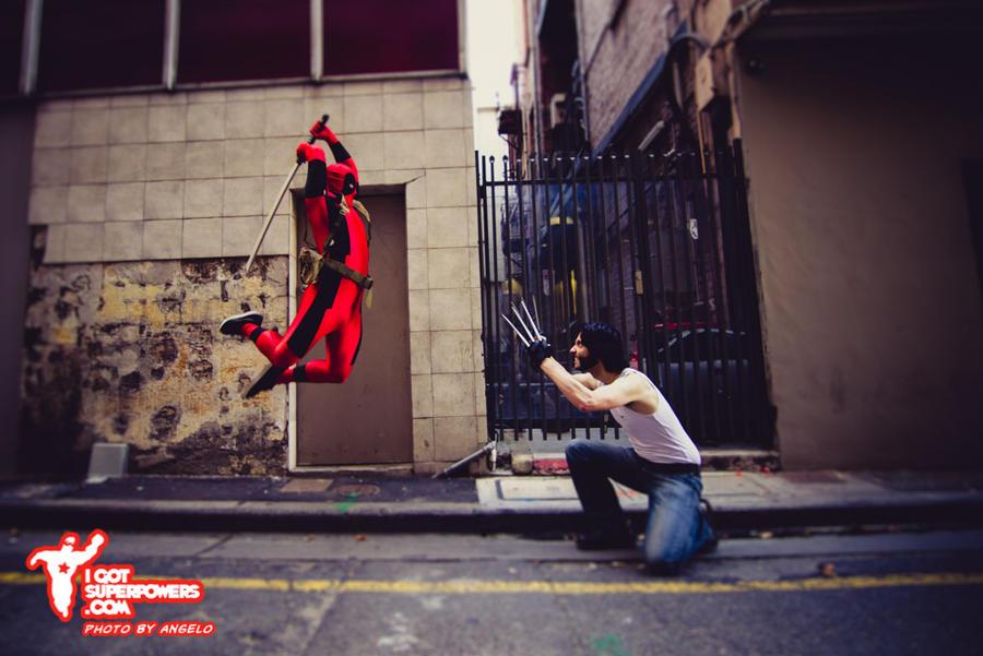 Deadpool vs Wolverine by igotsuperpowers