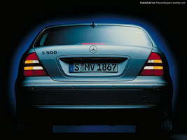 Mercedes Benz S-Class W220 01 by FreeWallpapers