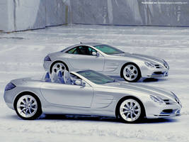Mercedes Benz SLR 01 by FreeWallpapers