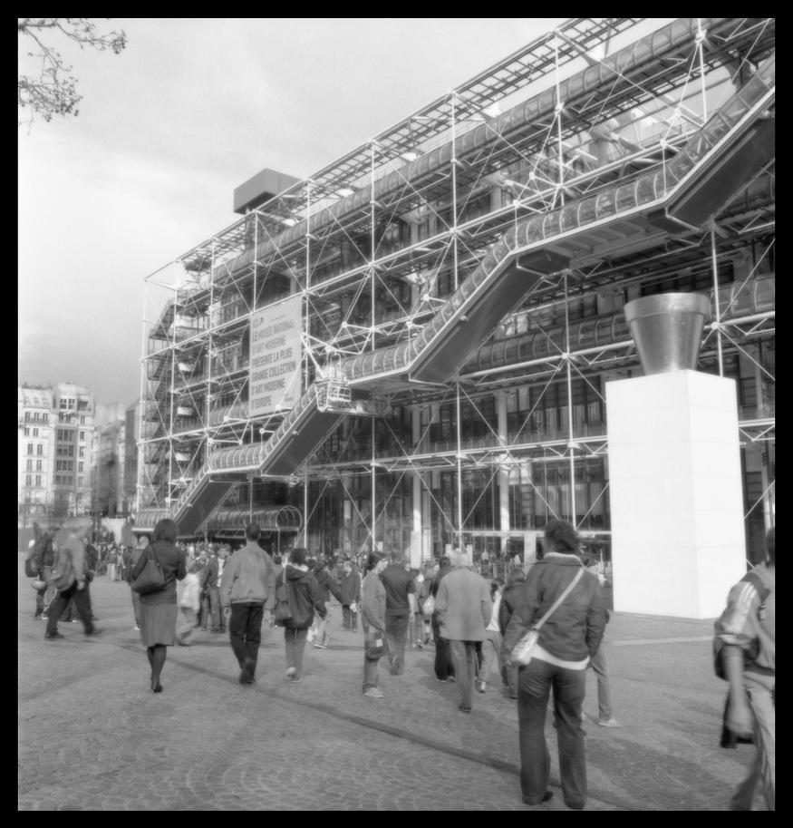 Centre pompidou by hoojio on deviantart for Art minimal centre pompidou