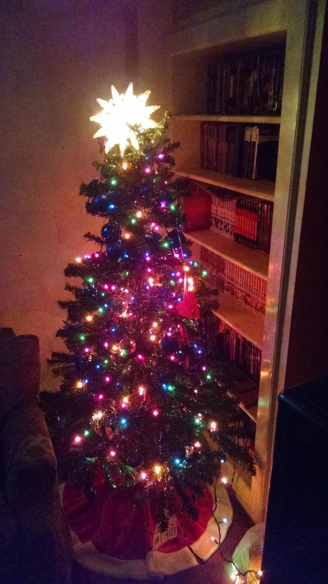 Christmas tree by Aeronator