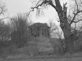Haunted House by ArtIsPain