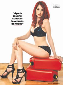 Maxim en Espanol Spread