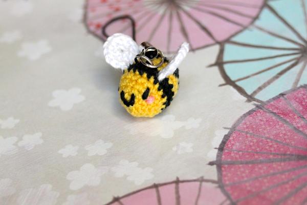 Kawaii Amigurumi Bee : Kawaii Crocheted Amigurumi Bee Keychain by SkySinger92 on ...