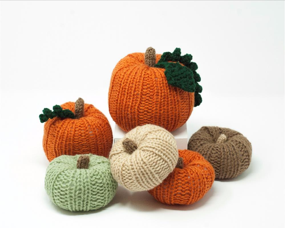 Knit Pumpkins by TheBittiestBaubles