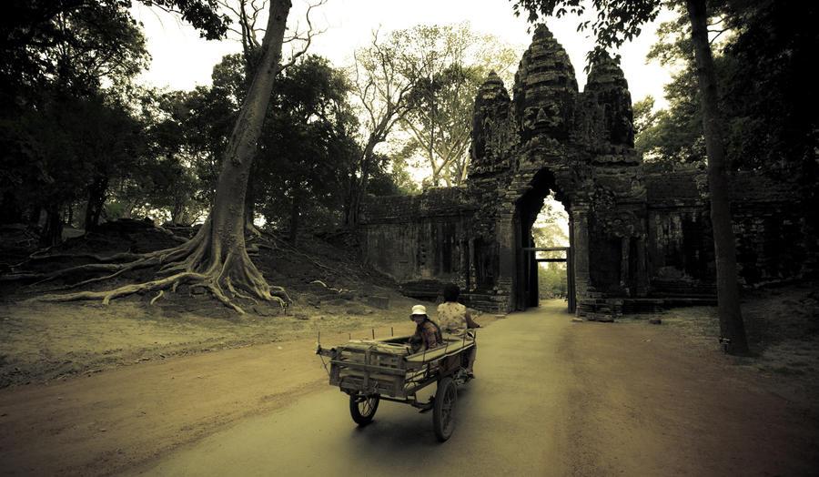 Bayon - Cambodia by anupjkat