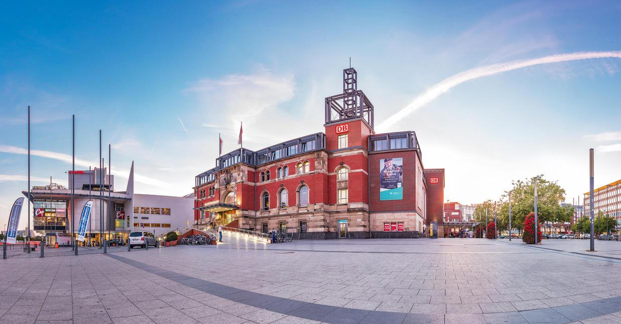 Central railway station - Kiel (Germany) by Standbildtechniker