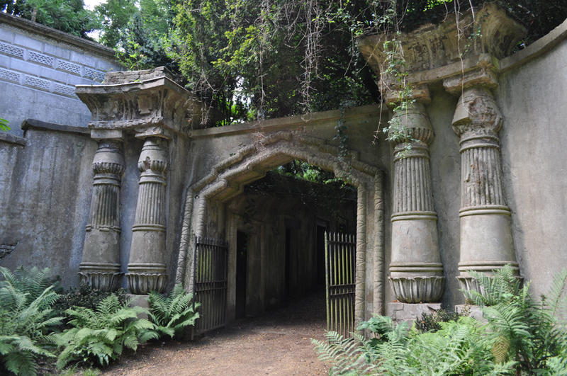Highgate Cemetery, London by Jakari