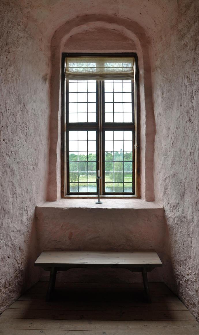 A castle window by RavensLane