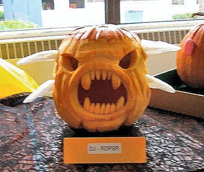 2014 Pumpkin Monster - Full Face by plushbug